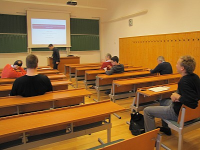 images/math-site/meetings/Seminar/20121122-MajorLaszlo/web/big/IMG_1935.jpg