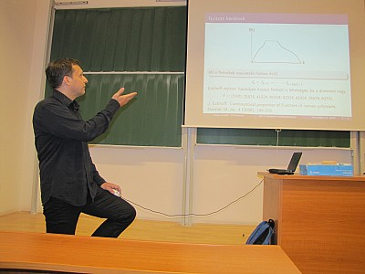 images/math-site/meetings/Seminar/20121122-MajorLaszlo/web/big/IMG_1937.jpg